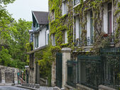 Paris, France. Picturesque street on the Montmartre hill — Stock Photo