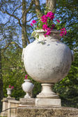 Paris, France. Vase with flowers in the Luxembourg Gardens — Stock Photo