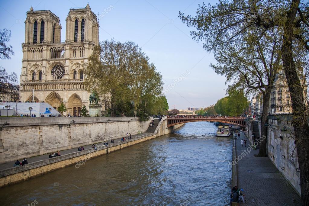 Najlepše reke sveta Depositphotos_46233881-stock-photo-paris-france-view-of-the