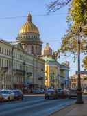 St. Petersburg, Russia , September 23, 2012 . Typical urban view — Stock Photo