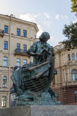 St. Petersburg, Russia , September 22, 2012 . Monument to the Tsar Carpenter — Stock Photo