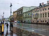 St. Petersburg, Russia. View of Nevsky Prospekt rainy autumn day — Stock Photo