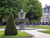 Paris, France, May 5, 2013 . Place des Vosges — Stock Photo