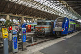 Paris, France, May 5, 2013 . Trains at the platform of the North Station (Gare du Nord) — Stock Photo