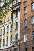 St. Petersburg, Russia. Fragment of an old apartment building — Stock Photo