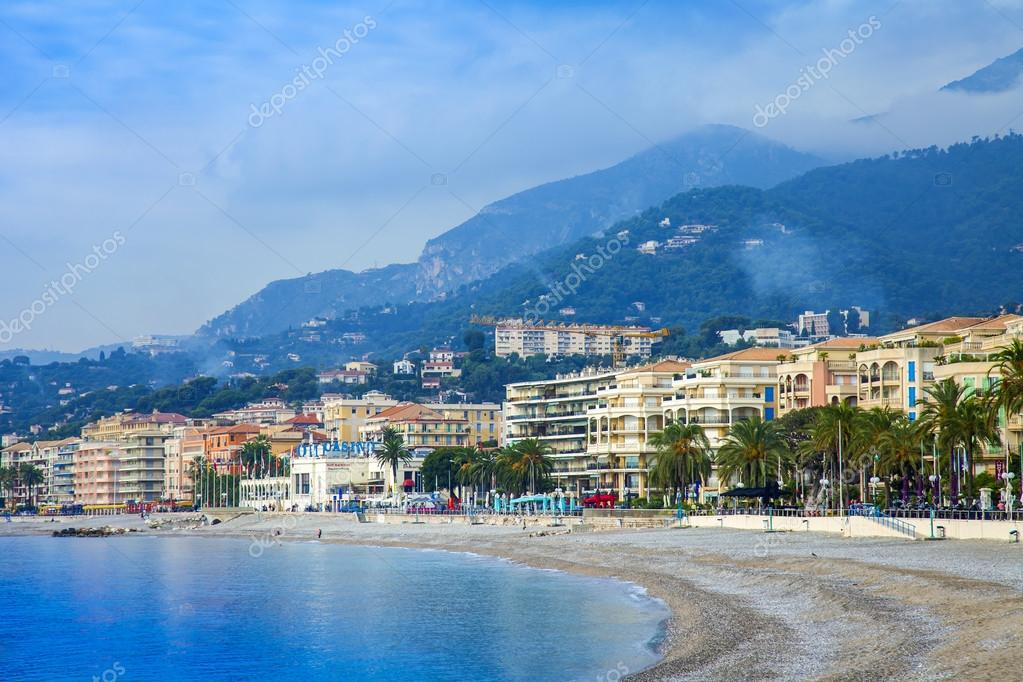 menton france vue sur la mer et le front de mer de menton riviera fran ais photographie. Black Bedroom Furniture Sets. Home Design Ideas
