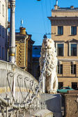 St. Petersburg, Russia. Pedestrian Lion bridge over Griboyedov Canal — Foto Stock