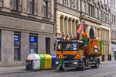 Prague, Czech Republic July 5, 2010. Janitorial dumpsters on a city street — Stock Photo