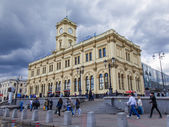 Moscow, Russia, June 25, 2014. Komsomolskaya Square and the Leningrad station — Stock Photo