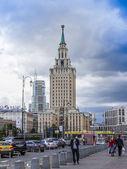 Moscow, Russia, June 25, 2014. Komsomolskaya Square and Hotel Leningradskaya — 图库照片