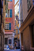 Nice, France, on July 3, 2011. Narrow street in the old city — Stock Photo