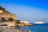 Niza, francia. playa cerca de paseo d ' angles — Foto de Stock