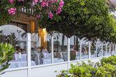 Nice, France, on July 6, 2011. English promenade (Promenade des Anglais). Summer cafe — Stock Photo