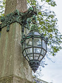 Dusseldorf, Germany. Beautiful ancient lamp on Kyonigsalley. — Stock Photo