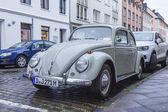 Düsseldorf, niemcy, na 6 lipca 2014 roku. rocznika samochodu na ulicy miasta — Zdjęcie stockowe