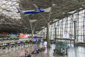 Moscow, Russia, on July 5, 2014. Hall of departures at the airport Vnukovo — Foto de Stock