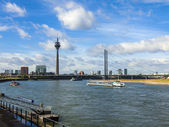Dusseldorf, Germany, on July 6, 2014. View of Rhine Embankment — Foto de Stock