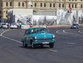 Moscow, Russia, on July 26, 2014. The vintage car on the city street — Stock Photo