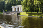 St. Petersburg, Russia, on July 22, 2012. Typical urban view, Channel embankment — Stock Photo