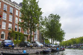 Amsterdam, Netherlands, on July 10, 2014. View of the river bank Amstel — Foto de Stock