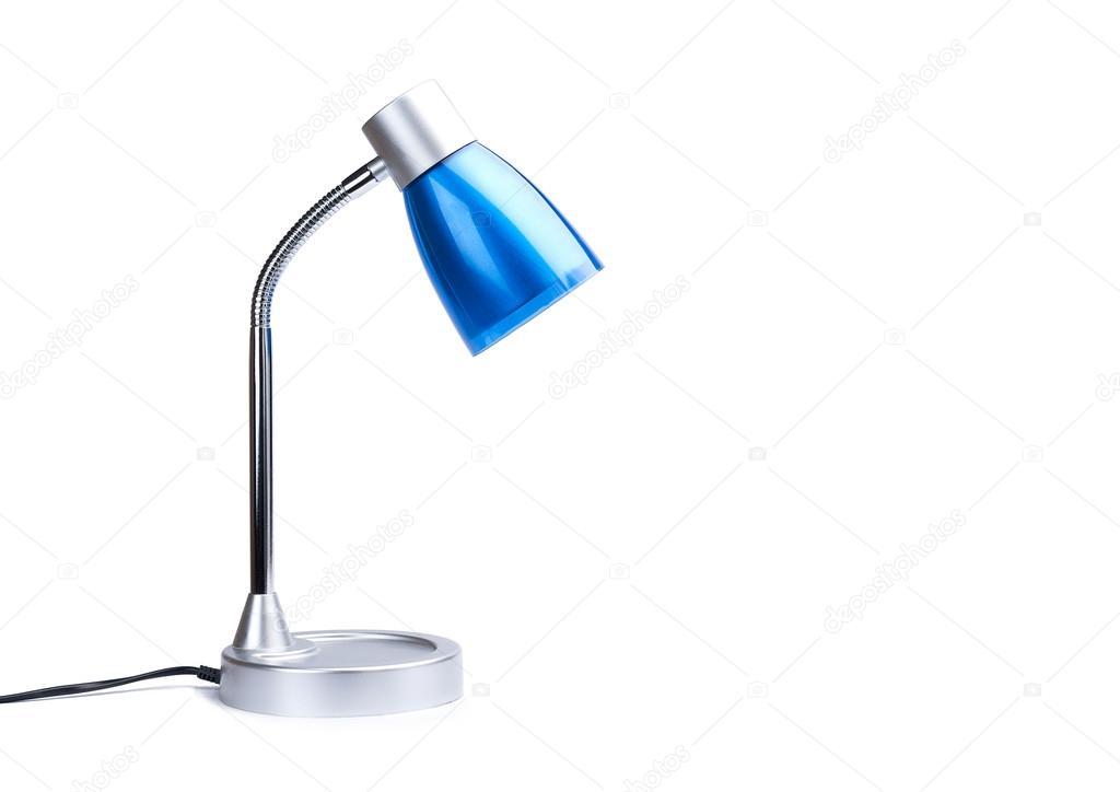 Lampada da scrivania blu su sfondo bianco isolato con for Lampada da scrivania prezzi