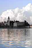 A monastery at the bay of Vis town at the Croatian island Vis — Stock Photo