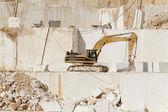 Weißer Marmor-Steinbruch — Stockfoto