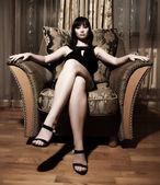 Sexy mulher sentada — Foto Stock