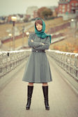 Beautiful stylish woman looking straight to the camera — ストック写真