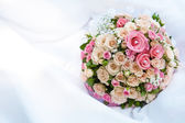 Bouquet of pink roses on the white — Stock Photo