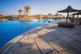Swimmingpool des luxushotels — Stockfoto