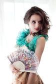 Vacker kvinna i vintage klänning — Stockfoto
