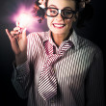 ljusa och nerdy affärskvinna med smart idé — Stockfoto #13812781