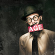 VintAGE Man Growing Elderly In Old Fashioned Style — Stock fotografie