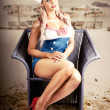 Retro Blond Beach Pinup Model With Elegant Look — Stock Photo