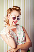 Cute Pinup Fashion Girl With Surprised Expression — Stock Photo