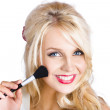 Beauty woman applying beautiful model makeup — Foto Stock