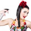 péče o vlasy. bruneta plakát žena pomocí produktu — Stock fotografie