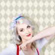 Sexy retro blond hair pinup girl. Classic make-up — Stock Photo