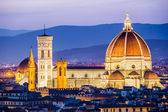 The Cathedral and the Brunelleschi Dome at sunset — Stock Photo
