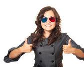 Atraktivní usmívající se dívka v šatech šedé podnikání a dlouhé tmavé c — Stock fotografie