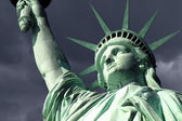 Statue of Liberty Isoalted on White — Stock Photo