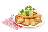 Fried fish fillets with salad. — Foto de Stock