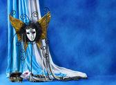 Antécédents de masque de carnaval et de perles — Photo