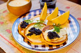 "Russian buckwheat pancakes ""blini"" with caviar — Stock Photo"