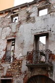 Old building ruined facade — Foto de Stock