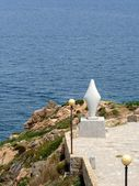 Dziewica pomnik nad brzegiem Morza Śródziemnego w santa teresa di gallura, Sardynia — Zdjęcie stockowe