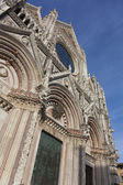 Facade of the Siena cathedral, Tuscany, Italy — Stock Photo