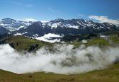 Mgła w szwajcarskich alpach — Zdjęcie stockowe