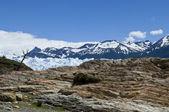 Kaya, buz ve gökyüzü — Stok fotoğraf